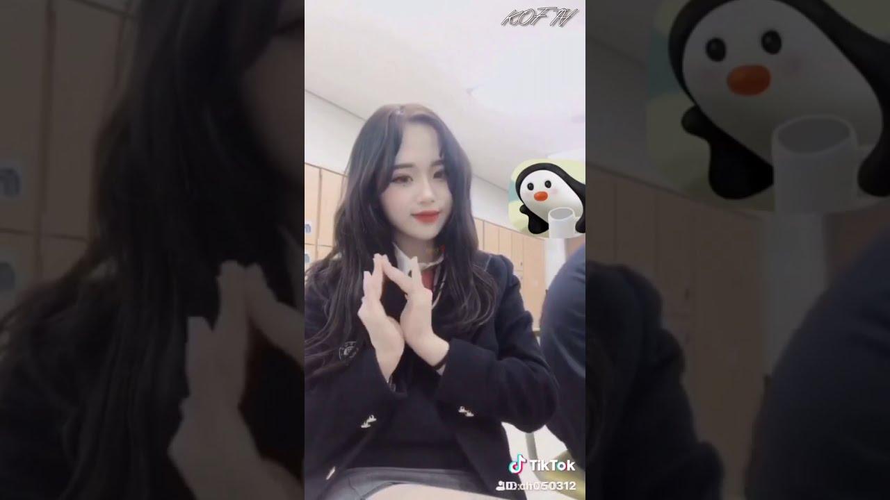 TikTok 틱톡 sunday☀️ 여고생 교복 여중생 교복댄스 고딩 댄스 Korean lovely girl school uniform dance