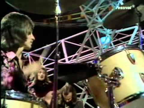 Rod Stewart - Maggie May ( TOTP ) 1971