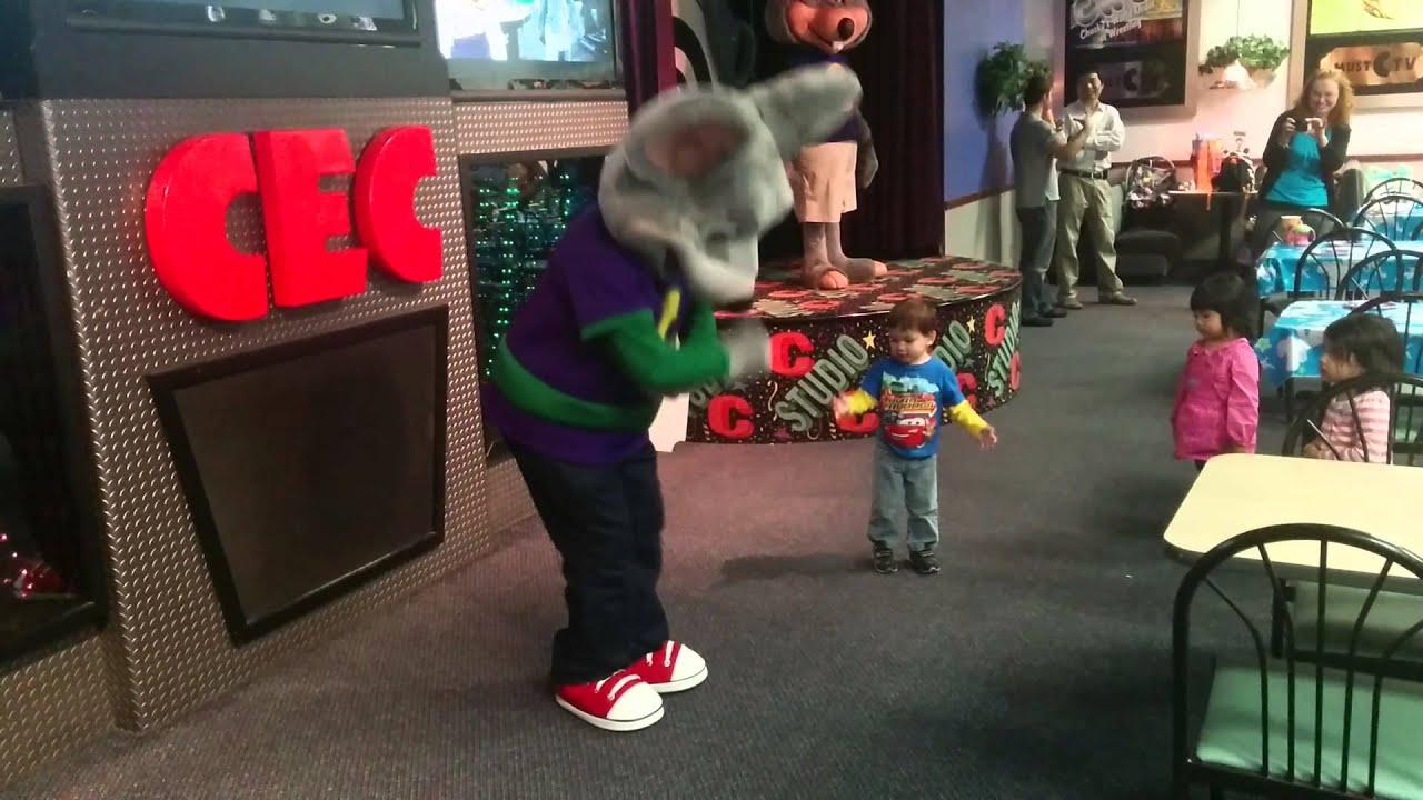 Drew Doing Chuck E Cheese Dance Youtube