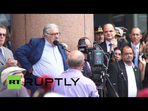 Uruguay: See Jose Mujica say farewell to presidency in last 'unofficial' address
