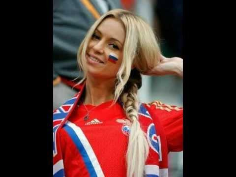 Картинки девушек на футболе