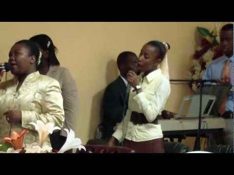 """Gras pou-m Sumonte tout eprev yo""- by Worship Team at Gospel Assembly University, Part 1"