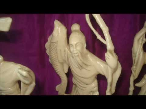 DEMO OF 3 COLLECTABLE FAUX IVORY JAPANESE FIGURINES MADE OF PLASTIC AND WHAT IT IS WORTH
