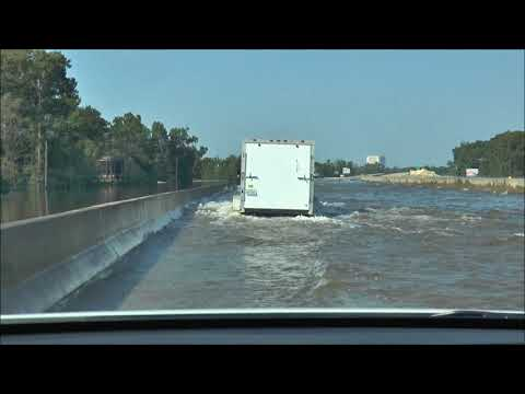 Hurricane Harvey, Beaumont, Texas DRIVING THROUGH FLOOD WATERS ON Interstate 1-10
