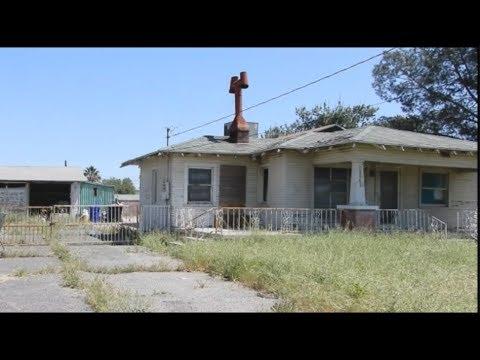 Abandoned house in Colton Ca - Strange Lady hiding inside!