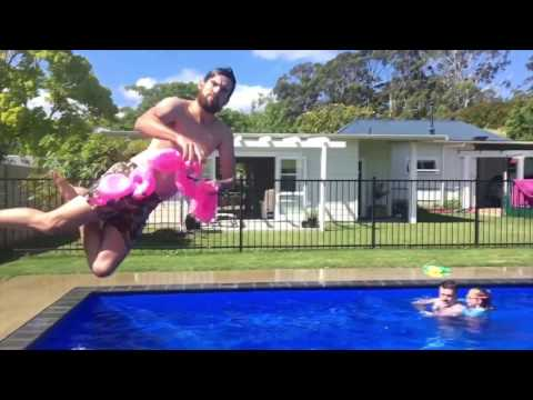 Gangsta Flamingo Poolside Party - Broccoli...