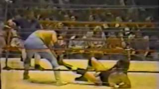 Barbed Wire Match! Jerry Lawler vs Dutch Mantell - Part 1 of 2 (3-29-82) Memphis Wrestling