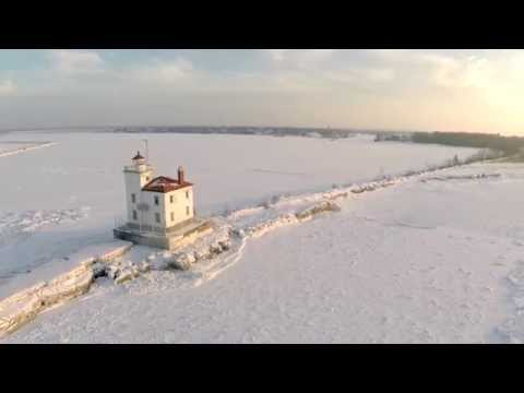Headlands State Park, Fairport Harbor West Breakwall Lighthouse and Frozen Lake Erie Ice Flows