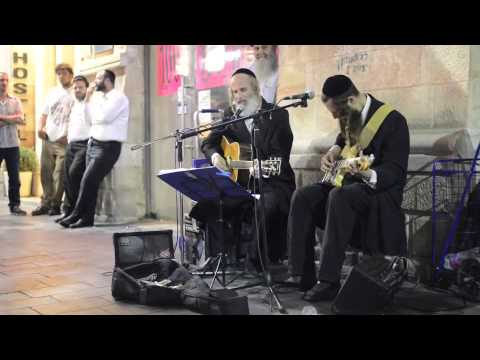 Jewish men singing Pink Floyd's 'Wish You Were Here'