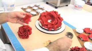 Видео-урок: Лепестки розы из гампасты