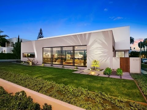 Impressive Contemporary Masterpiece in Long Beach, California