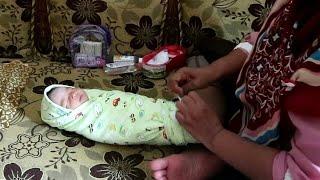 Tutorial Membedong Bayi