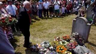 Tony Benn Wreath Laying at grave of Tolpuddle Martyr  James Hammett  2013