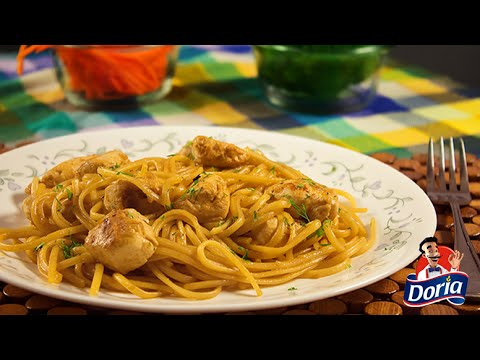 Spaghetti Doria con salsa de naranja y pollo