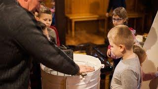 Dzieci poznały zawód pszczelarza
