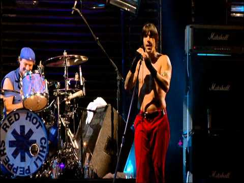 Red Hot Chili Peppers - Under The Bridge - Live at Slane Castle [HD]