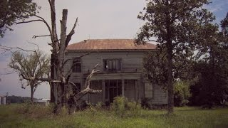 Gambar cover Abandoned 1857 Plantation House + DJI Phantom drone