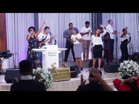 Igreja Cristã Abrigo Aniversário de 5 anos Abrigo Choir Deus de poder