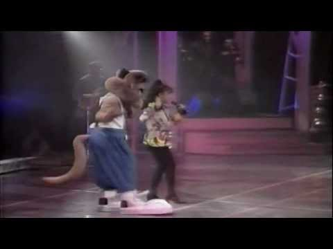 Paula Abdul - Opposites Attract (Live In Japan) (Widescreen) (HQ)