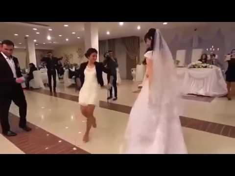 أجمل رقصة بنت في عرس اختها thumbnail