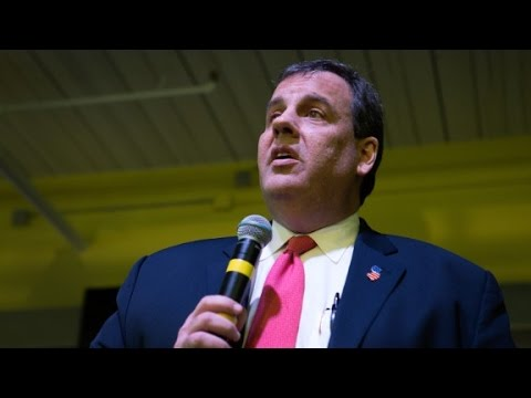 Chris Christie suspends presidential campaign