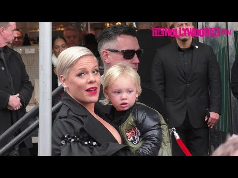Pink Is Supported By Ellen DeGeneres & Her Family At Her Hollywood Walk Of Fame Ceremony Mp3