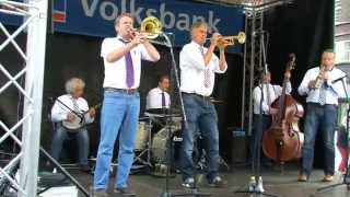 "Huub Janssen Tribute Jazzband plays ""Struttin"
