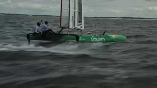Groupama C-Class Cat Takes Off. (French)