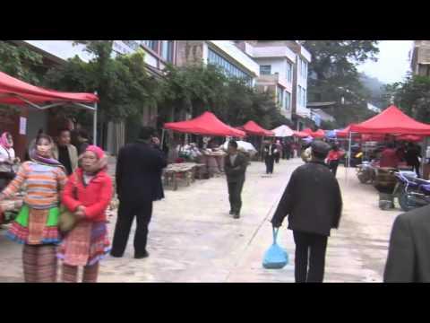 Hmong (Miao) market Wenshan 02