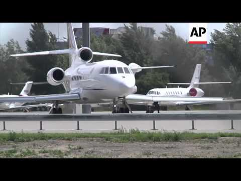 Bolivian president's plane takes off from Vienna