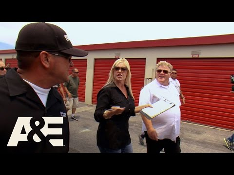 Storage Wars: Dave Fights Dan and Laura (Season 8, Episode 7) | A&E