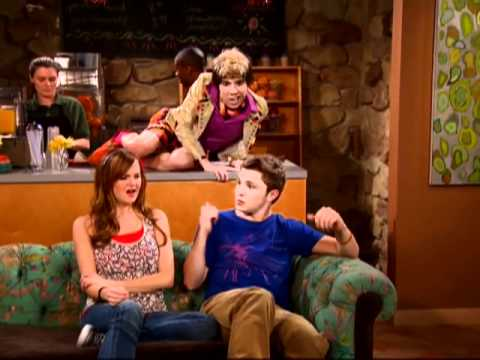 Angus: Supermodel - So Random! - Disney Channel Official