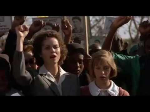 """""""un monde à part"""" - """"A world apart"""" film cannes 1988"""