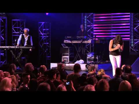 Foreigner - I Want To Know What Love Is (Live) (2011) (HD)