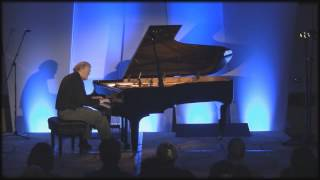 "Pianist David Nevue - Live Performance of ""No More Tears"""