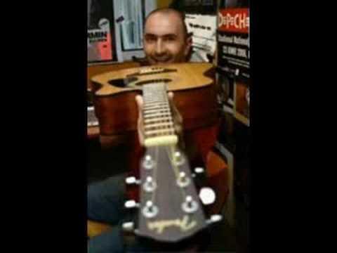 Enrique Iglesias regretă că a spus că are un penis mic - ARADON