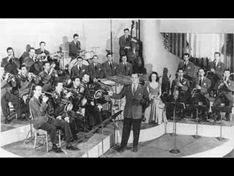 """MOONLIGHT SERENADE"" BY GLENN MILLER"