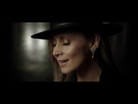 Lara Fabian - PAR AMOUR (Official Video)