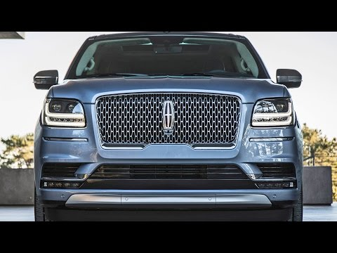 2018 Lincoln Navigator Ready to fight Range Rover