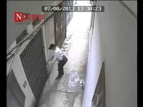 Video Bẻ khóa trộm đồ ngay cả khi có người trong nhà - Youtube
