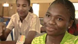 Le bridge passionne les jeunes au Botswana
