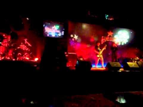 Sada - Hancurku (cover taboo)Live at FameStation.mp4