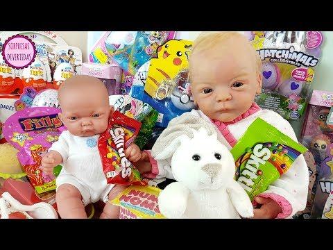 Lindea y Ben comen Skittles - Mis muñecos bebés descubren Nuevos juguetes