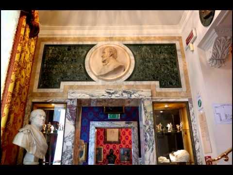 23 Milan    La Scala Opera House