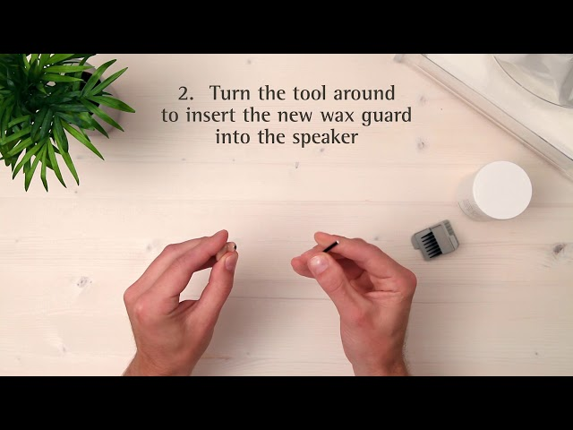 How to clean a custom hearing aid (with voice over)