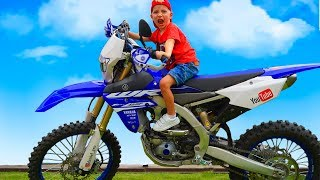 Baby Biker Tisha  Ride on Pocket Bike, Cross Bike, Sportbike! Stunts, Drifts in Real Life