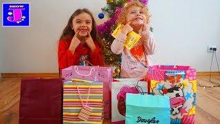 Deschidem Cadourile de Craciun S-a indeplinit Visul Jasminei!