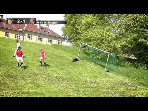 Golden Goal - Skråningsfotball - Playing football/soccer in a hill (w/Eng subs)