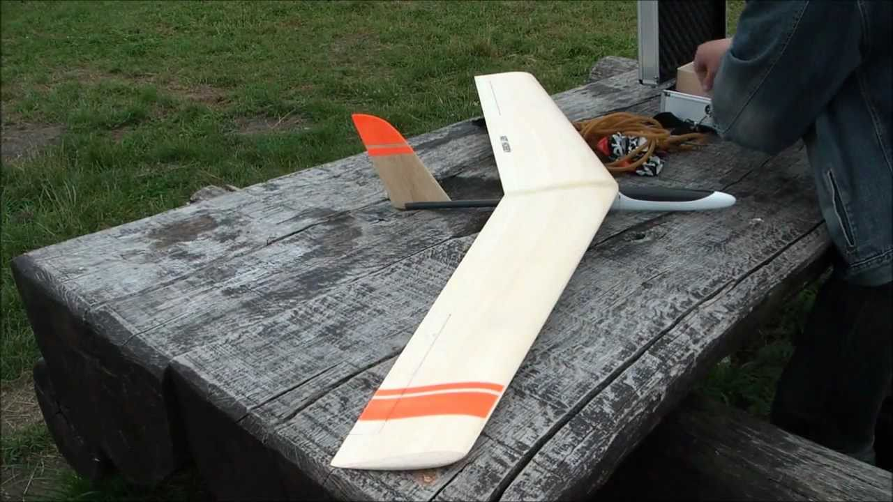 Art Hobby Flying Wing Prototype Prototyp Latającego Skrzydła