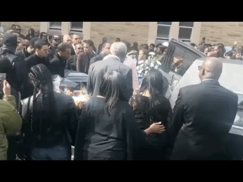 Payroll Giovani & Doughboyz Cashout Pay Respect At DoughBoy Roc's Funeral